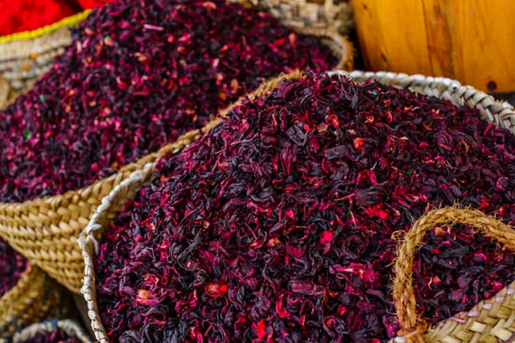 Чай каркаде: полезные свойства и вкусные рецепты