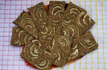 Хлебцы с луком