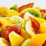 Салат из апельсина с клубникой