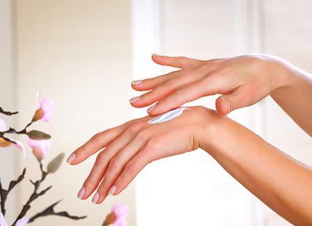 Уход за кожей рук в домашних условиях: простые правила