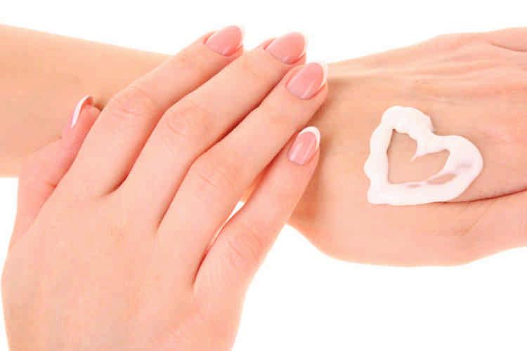 Как выбрать крем для рук: увлажняющий, защитный, антивозрастной