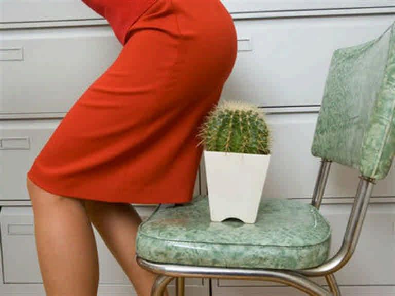 Как лечить геморрой в домашних условиях с помощью кизила