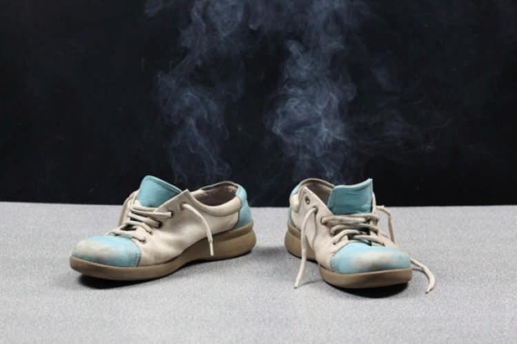 Удалить запах из обуви в домашних условиях 998
