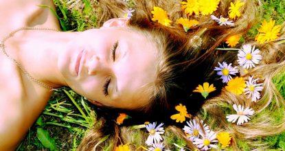 Растения и косметика: самые полезные травы для волос
