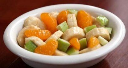 Фруктовый салат с яблоками и мандаринами