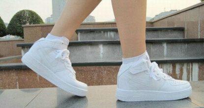 Как сделать белую спортивную обувь снова белой— сравниваем разные способы
