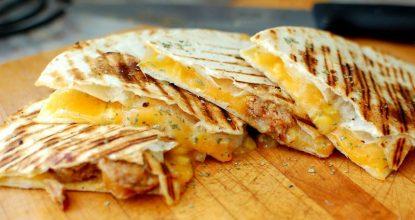 Мексиканская лепешка с начинкой: 5 бесподобных рецептов