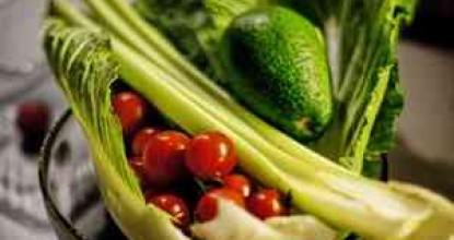 Четыре рецепта салатов из пророщенной пшеницы
