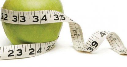Ешь голая перед зеркалом: советы для похудения