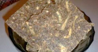Сыроедные хлебцы с луком и пророщенной пшеницей