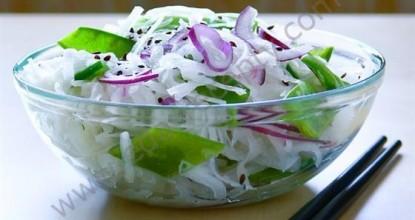 Японский вкус— это салат из дайкона, морской капусты и авокадо