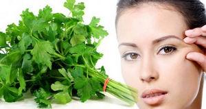 Петрушка для лица: рецепты против пятен и веснушек