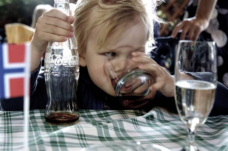 Соки и газированные напитки: что лучше - сок из пакета или газировка
