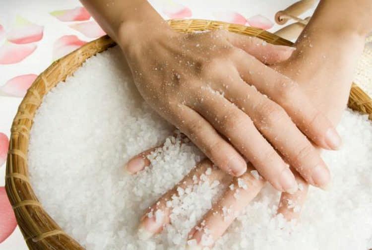 вымыть руки солью