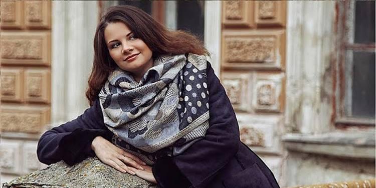 Как красиво завязать шарф или платок на шею или на голову