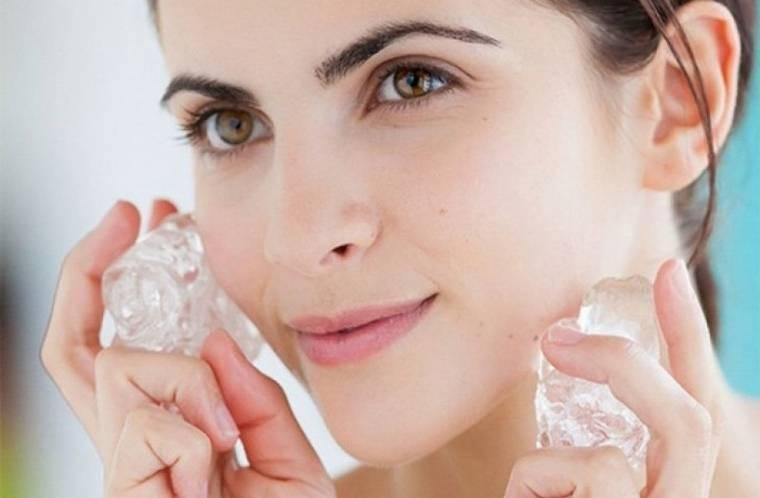 Как избавиться от отеков на лице: домашние и салонные способы