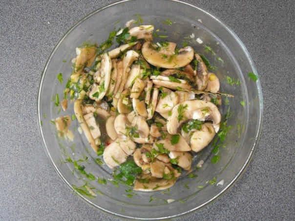 Рецепт приготовления маринованных шампиньонов от сыроедов