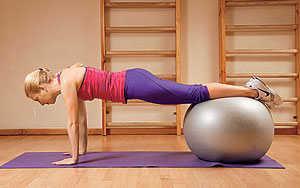 Какие упражнения надо делать от живота в домашних условиях