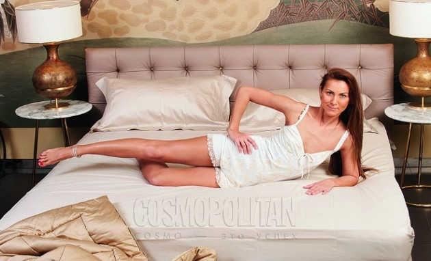 Тимнастика в постеле - подъем ноги