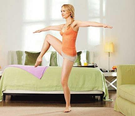 8 эффективных упражнений для утренней зарядки для женщин