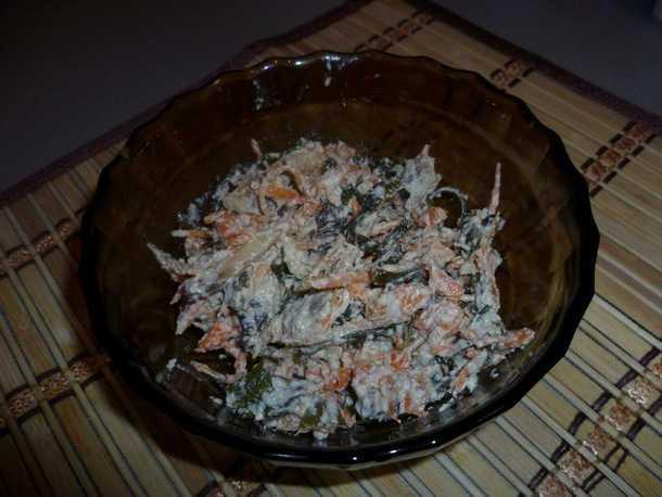 Салат с морской капустой и шампиньонами