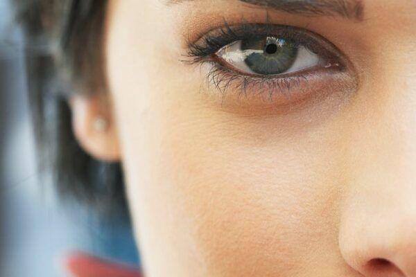 Как избавиться от синяков под глазами женщине и мужчине в домашних условиях