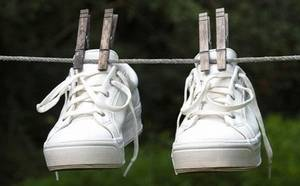 Как почистить белые кроссовки и кеды