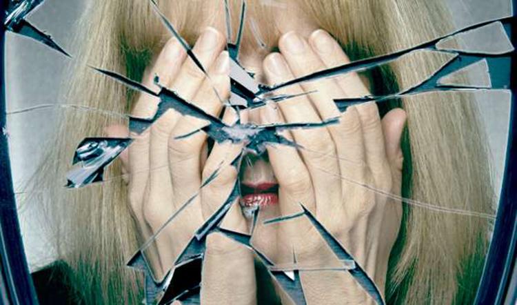Не смотритесь в разбитые зеркала