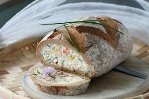 Ржаной хлебец фаршированный
