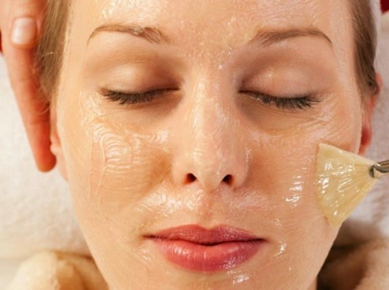 Как делать медовый массаж лица