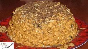 Торт с какао и орешками