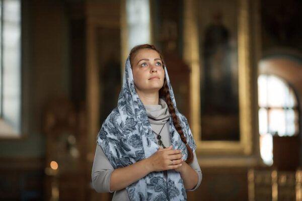 Почему не пускают в церковь: церковные правила для женщин