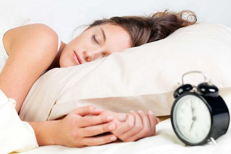 Научное обоснование: почему нельзя есть на ночь