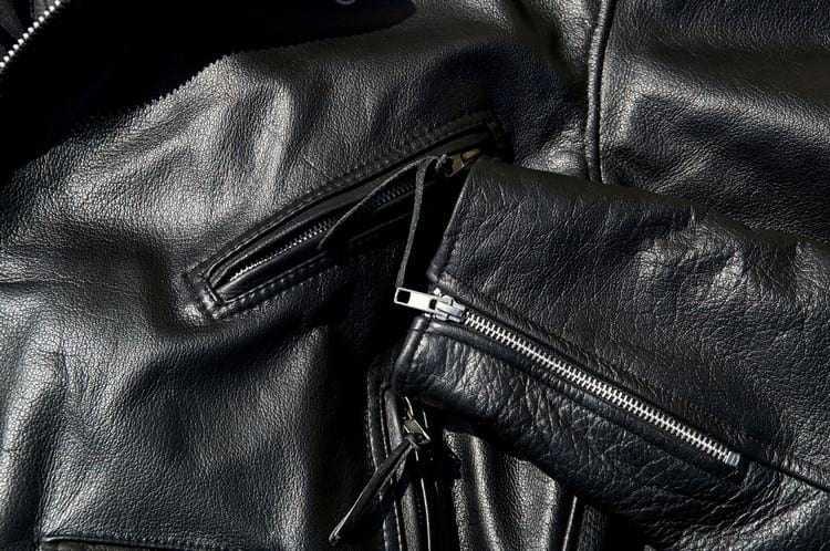 Как разгладить куртку в домашних условиях