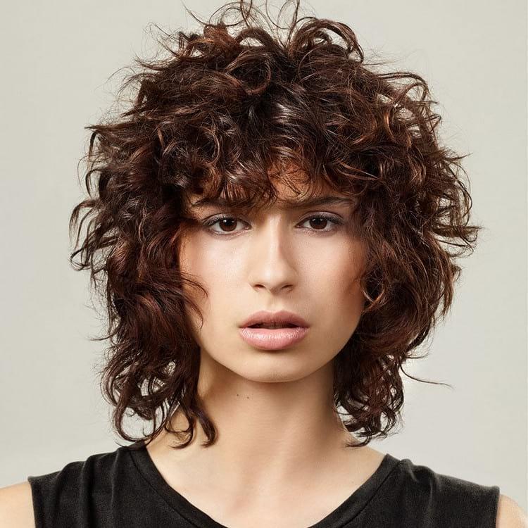 модные стрижки на короткие волосы с челкой