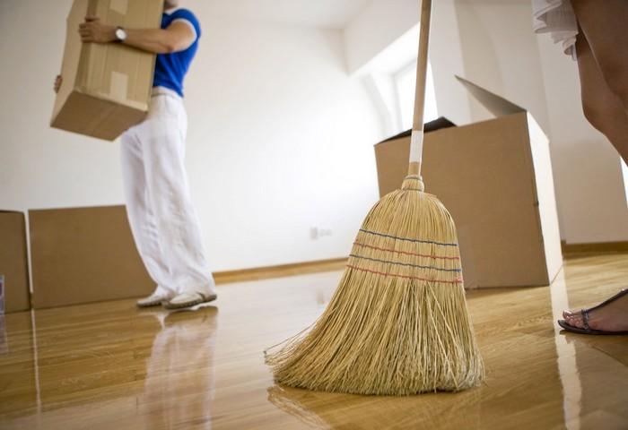 Как почистить ковер в домашних условиях и заставить его сиять