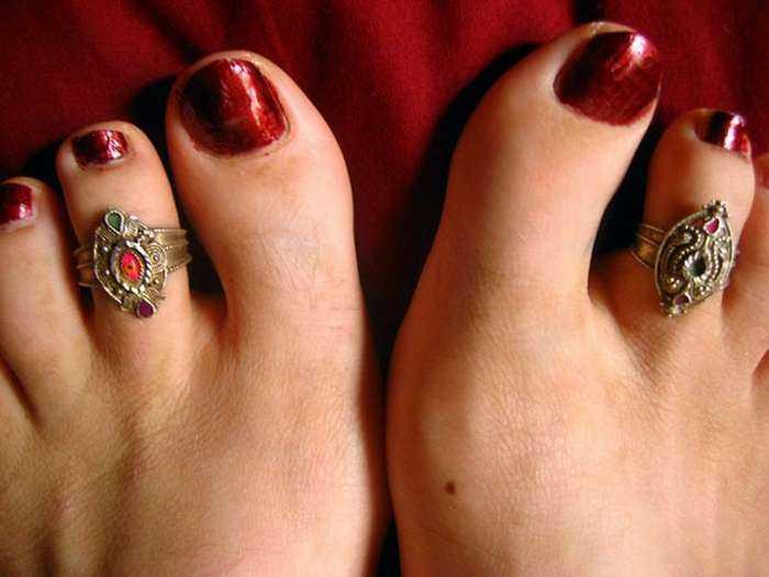 Что означают кольца на пальцах: будьте внимательны и осторожны