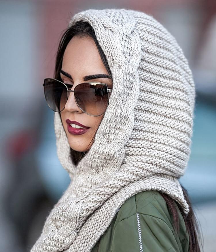 Как связать женскую зимнюю шапку спицами