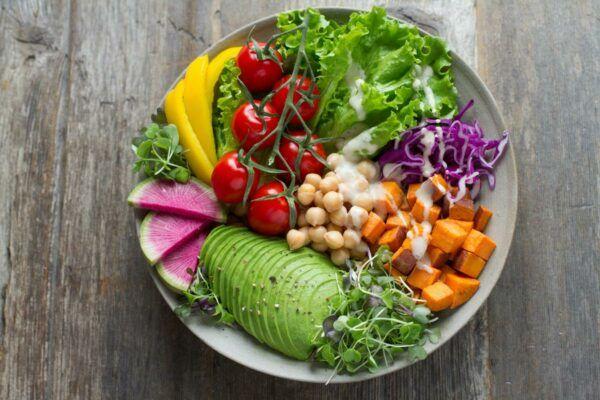 Суть сыроедения: правила питания, мифы и реальность