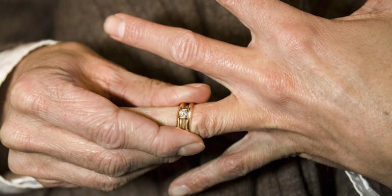 Народные приметы про обручальные кольца: не теряйте и не выбрасывайте